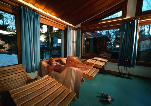Centro benessere cortina d 39 ampezzo sport hotel cortina - Hotel a cortina d ampezzo con piscina ...